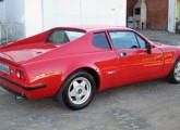 Adamo GT II: sua traseira lembrava a Ferrari Dino. Muito bem conservado, o carro da imagem (ano 1977), matriculado em São Leopoldo (RS), foi posto à venda em 2013 (site rs.quebarato).