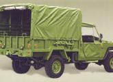Agrale Marruá Cargo com teto de lona, na versão militarizada (posteriormente denominada AM 21).