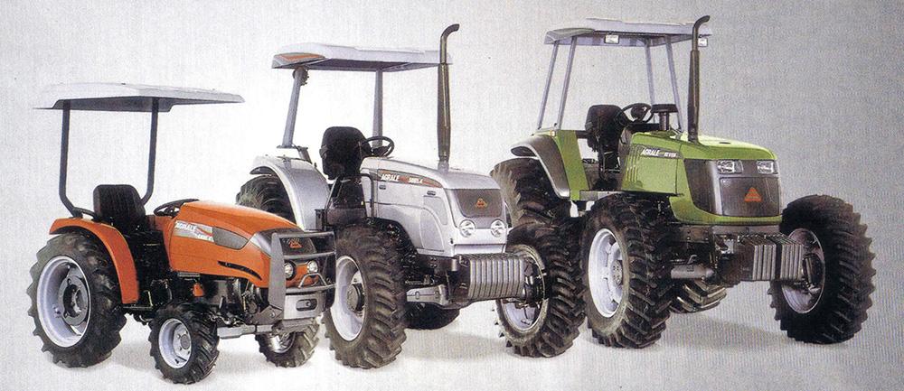As três famílias de tratores agrícolas da Agrale: séries 4000, 5000 e 6000 - leves, médios e pesados.