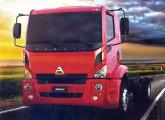 A 18a Fenatran mostrou as novas cabines  dos caminhões Agrale; na foto, o médio 14000, modelo de maior capacidade da linha, na versão 4x2.