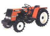 Trator 1030-D, com tração nas quatro rodas.