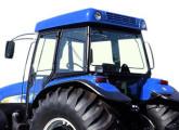 Trator agrícola New Holland TM 150 com cabine Agroleite.