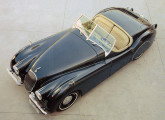 A réplica do Jaguar XK 120 (fonte: Opala & Cia.)..