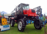 Primeiro pulverizador autopropelido Velleno, ainda utilizando elementos mecânicos de tratores agrícolas.