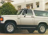 Bonita camioneta fabricada pela ARB na década de 90 sobre Chevrolet D-20 de chassi curto.