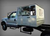 O maior modelo de cabine suplementar produzido pela ARB, aqui sobre caminhão F-4000.