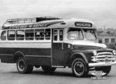 Caminhão Dodge de chassi curto com carroceria rodoviária de 1952, pertencente ao Expresso Maringá, de Maringá (PR) (fonte: site Railbuss).