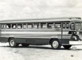 """Urbano """"Fita Azul"""" sobre chassi pertencente à Empresa de Ônibus Guartulhos, de Guarulhos (SP)."""