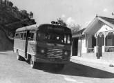 Mais um ônibus Volvo-Caio do final da década de 40, este da empresa Pássaro Marron, operadora do Vale do Paraíba (fonte: João Marcos Turnbull).