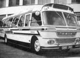 Também da Única é este modelo intermediário, de 1967, com faróis retangulares (fonte: site litoralbus).