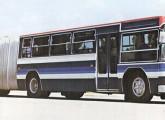 Articulado Scania com duas portas e motor dianteiro.