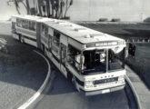 Articulado Caio-Scania com três portas.
