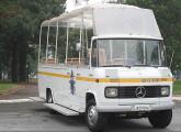 """Um dos dois """"papamóveis"""" fabricados pela Caio em 1980 para servir ao Papa João Paulo II em sua visita ao Brasil; o veículo hoje se encontra na Base Aérea de Cumbica, em Guarulhos (SP) (foto: Marcelo Ximenez)."""
