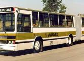 Articulado padron Volvo-Amélia; o ônibus, da empresa Sudeste, compôs a frota do primeiro corredor integrado da cidade de Porto Alegre.