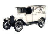 Setembro de 1925: é entregue o primeiro veículo Chevrolet montado no Brasil.