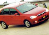 Além de novo motor, 2007 trouxe para a linha Corsa para-choques e grade retocados.