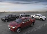 As quatro novas versões da S10 apresentadas em 2015: em sentido horário, High Country, Freeride, Chassis Cab e Advantage.