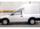 Último membro da família Corsa, o furgão foi lançado em 2000.