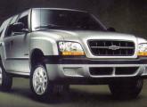 O Salão do Automóvel de 2000 também mostrou a primeira grande reestilização da S-10 e da Blazer.