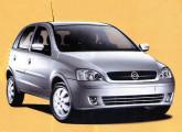 Lançado em 2002, o Novo Corsa só foi disponibilizado em versão de cinco portas.