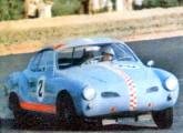 Estréia do Karmann-Ghia/Porsche da Escuderia Dacon, pilotado por José Carlos Pace, na prova inaugural do Autódromo Internacional do Rio de Janeiro, em julho de 1966 (fonte: site obvio).