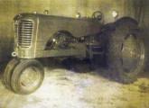 Projetado pela FNM, o protótipo do trator MSTM foi uma das tentativas de sobrevivência da empresa no pós-guerra (fonte: Eduardo Nazareth Paiva).