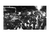 Os primeiros caminhões brasileiros, apresentados em 30 de dezembro de 1949 em desfile festivo nas ruas centrais da antiga Capital Federal.