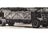 Chassi de ônibus com motor transversal traseiro, desenvolvido pela FNM em 1966; sobre ele a Ciferal apresentou no V Salão moderníssima carroceria rodoviária.