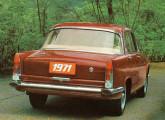 FNM 2150 1971; na traseira, o antigo JK pouco mudou ao longo dos anos.