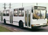 Utilizando a mesma estrutura monobloco e suspensão do ônibus elétrico, a Mafersa projetou o M-210, seu primeiro modelo diesel.