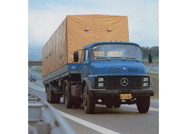 Condor I as well Mercedes Benz further Mercedes Benz O 364 Rodoviario 1981 likewise Mercedes Benz Caminhoes Catalogos likewise Mercedes Benz. on mercedes benz o 364 rodoviario 1981