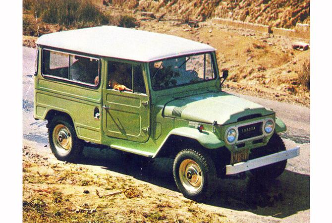Toyota lexicar brasil jipe toyota de chassi longo 1972 com laterais e traseira da carroceria em relevo fandeluxe Images