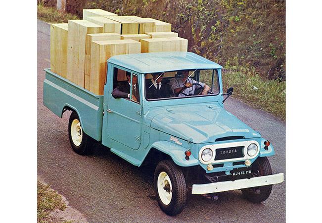 Toyota lexicar brasil picape toyota com a nova cabine lanada em 1969 fandeluxe Image collections