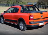Em agosto de 2014, cinco anos depois da concorrente Fiat, a VW lança sua picape Saveiro com cabine dupla; na foto, a versão Cross.