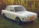 Volkswagen 1600 de quatro portas, o grande lançamento da marca no VI Salão do Automóvel.