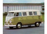 A Kombi de seis portas permanecia em produção em 1971.