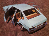 No final do ano foi lançada a versão de quatro portas do Passat.