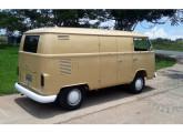 Kombi furgão 1976; extremamente bem cuidado, o carro da foto, de Brasília (DF), foi posto à venda em 2015 (fonte: site carro.mercadolivre).