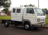 Volkswagen Delivery com cabine suplementar para seis ocupantes.